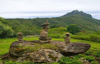 RocksGrassSkyHawaii